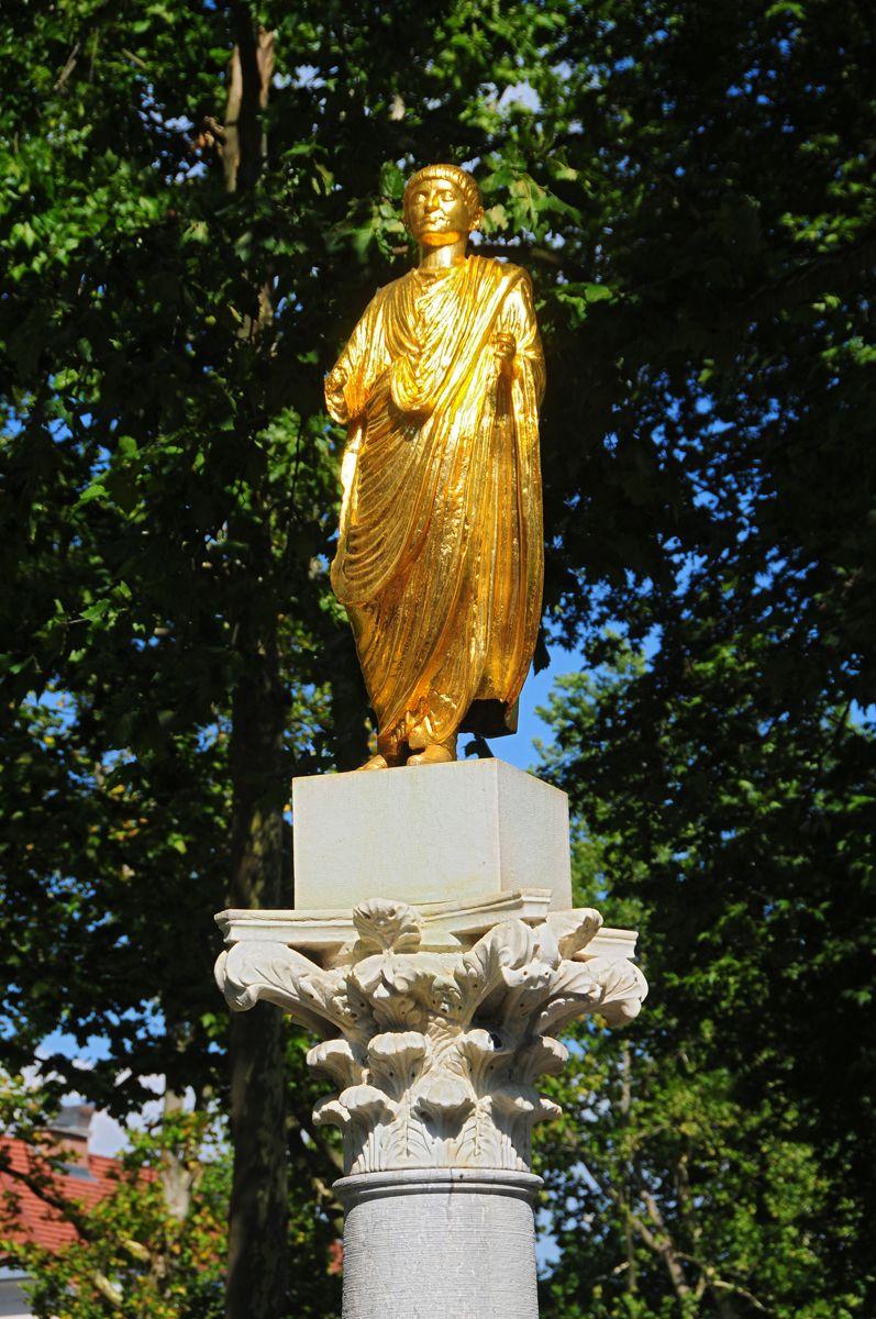 Statue Of Emona Citizen In Kongresni Trg Square Ljubljana Slovenia Ljubljana Ljubljana Statue
