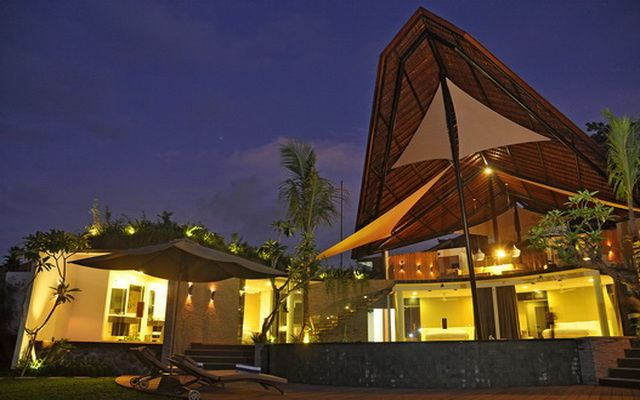 Villa Toraja | Villa, Luxury villa rentals, Luxury villa