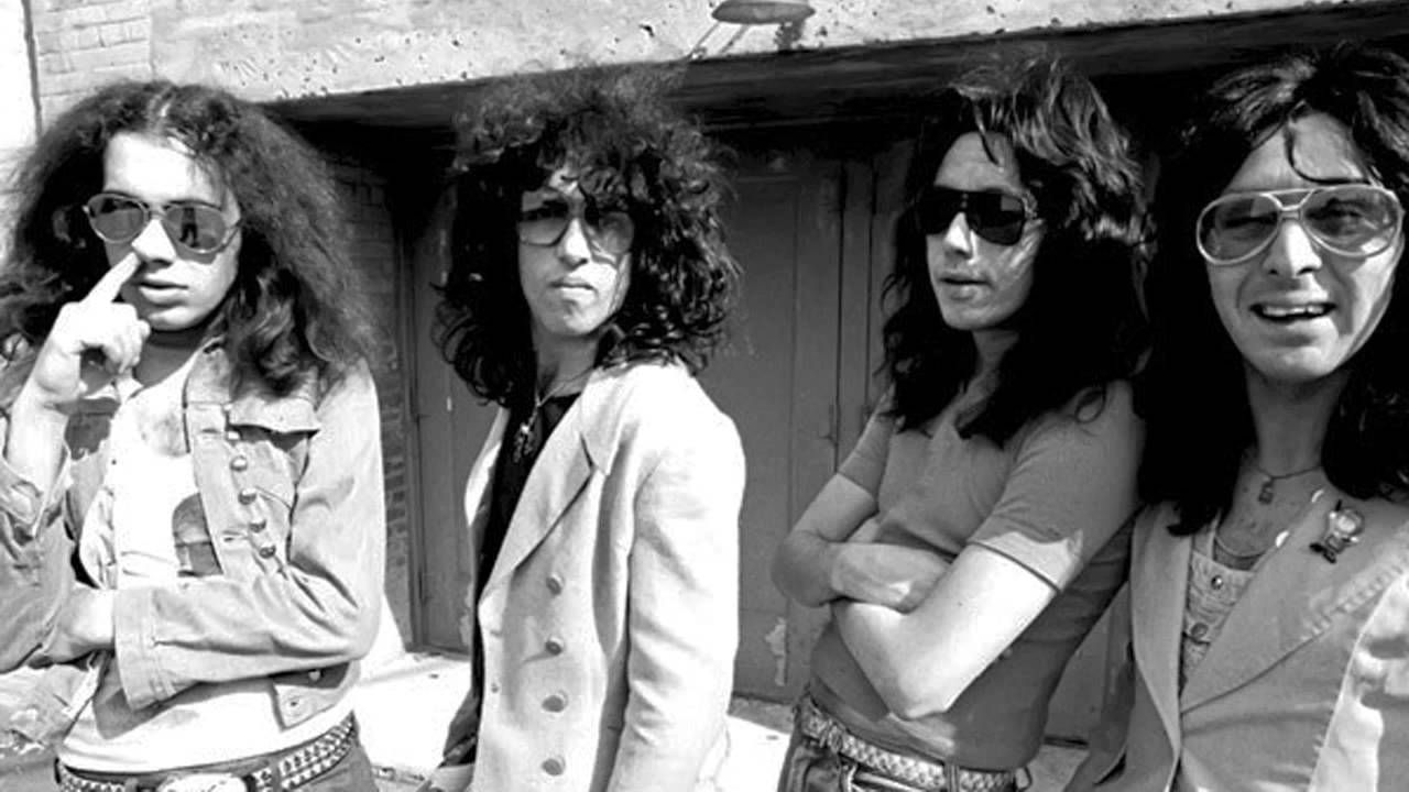 The Creem Photos Of Kiss Without Makeup 1974 Playlist
