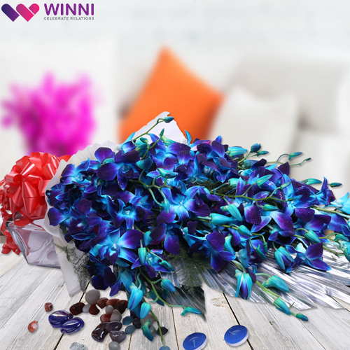 This Gorgeous Bouquet Of Blue Orchids Will Surely Bring A Gorgeous Smile On The Face Of Your Sweethe Online Flower Delivery Flower Delivery Send Flowers Online