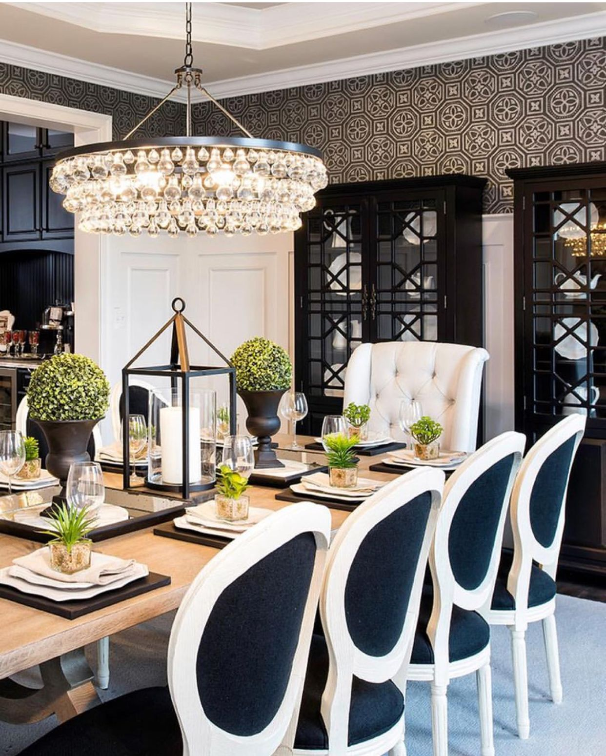 Black And White Dinningroom Dining Room Centerpiece Luxury Dining Room Elegant Dining Room
