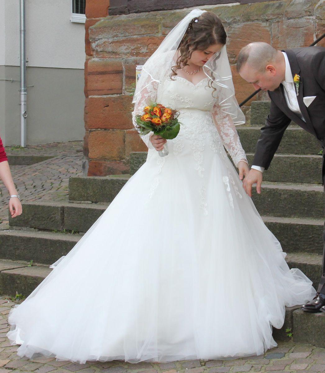 ♥ Traumhaftes A-Linien Brautkleid mit Corsage und weitem Rock zu ...