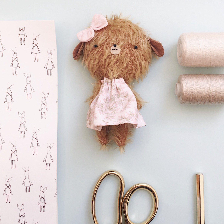 Sometimes I fall in love   #lelelerele #pocholines #peluches #softie #minibear #teddybear #blythe #dolls #handmadeteddybear #softies #stuffed #mohairbear #etsy