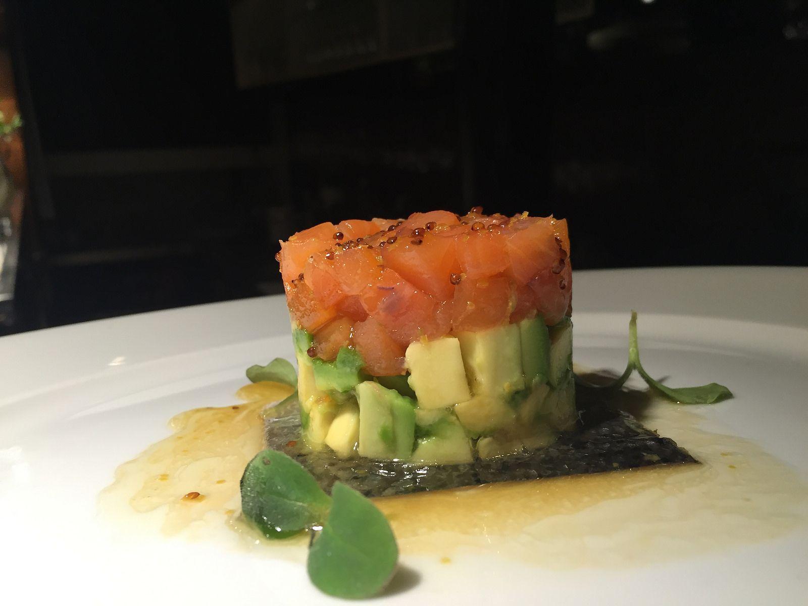 Tartar de salmón y aguacate | por JorgeHernandezAlonso