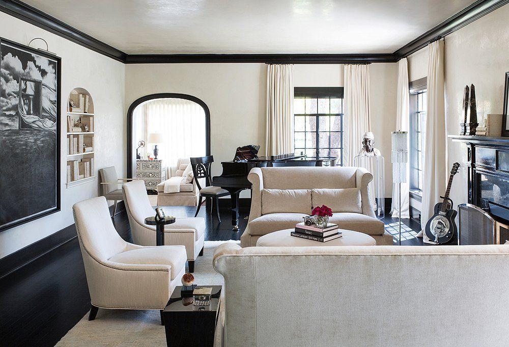 The Hot New Trim Trend We Re Loving Black Trim Interior Glamorous Room Interior