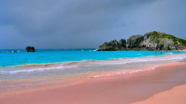 a764d9b579 7 Faces Of Amazing Horseshoe Bay On Bermuda | Places I've been ...