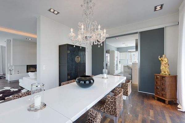 Leopard Accents in 20 Lovely Dining Rooms