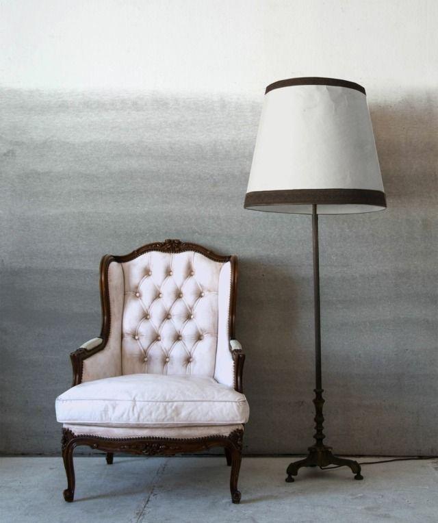 ombre graue Wand Ideen klassische Möbel Wohnzimmer