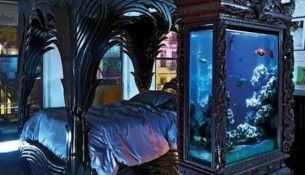 gothique chambre avec aquarium id es interieur pinterest aquarium gothique et chambres. Black Bedroom Furniture Sets. Home Design Ideas