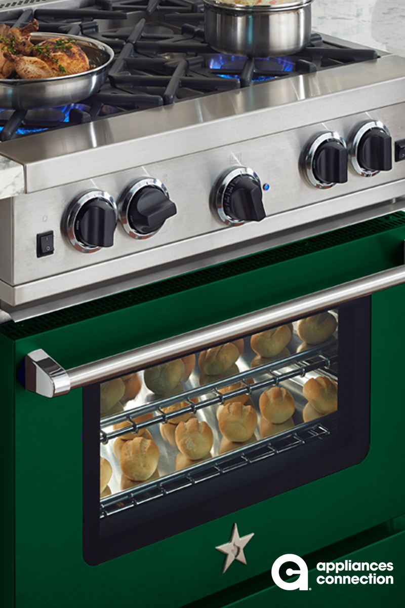 The 30 Gas Range From Bluestar S Rcs Line Has 4 Open Burners And A Large Oven Capacity 26 25 W X 20 D X 1 Kitchen Design Cooking Appliances Kitchen Cabinetry