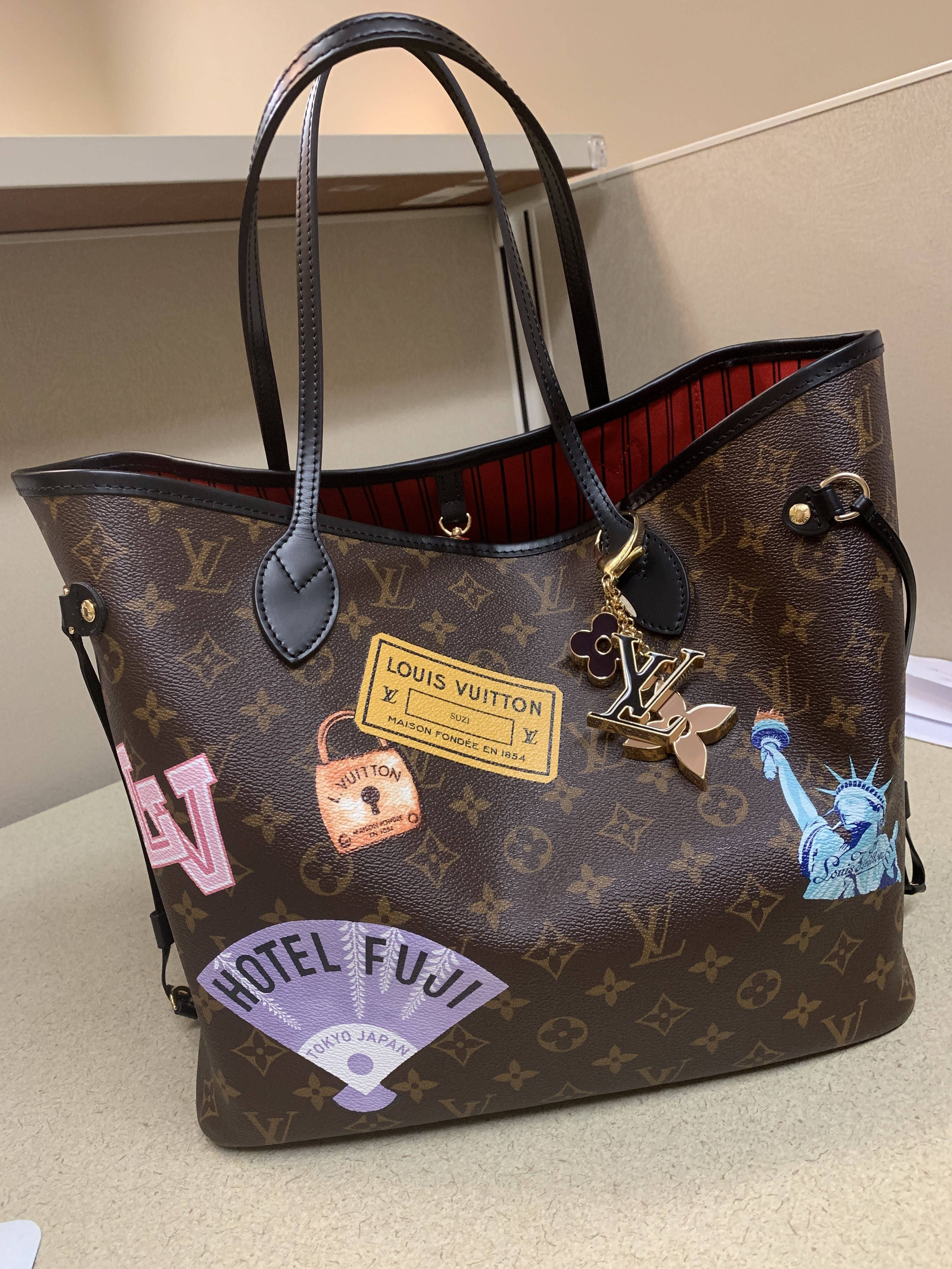 22da43f18b30 Louis Vuitton My World Tour Neverfull MM ❤ 😍