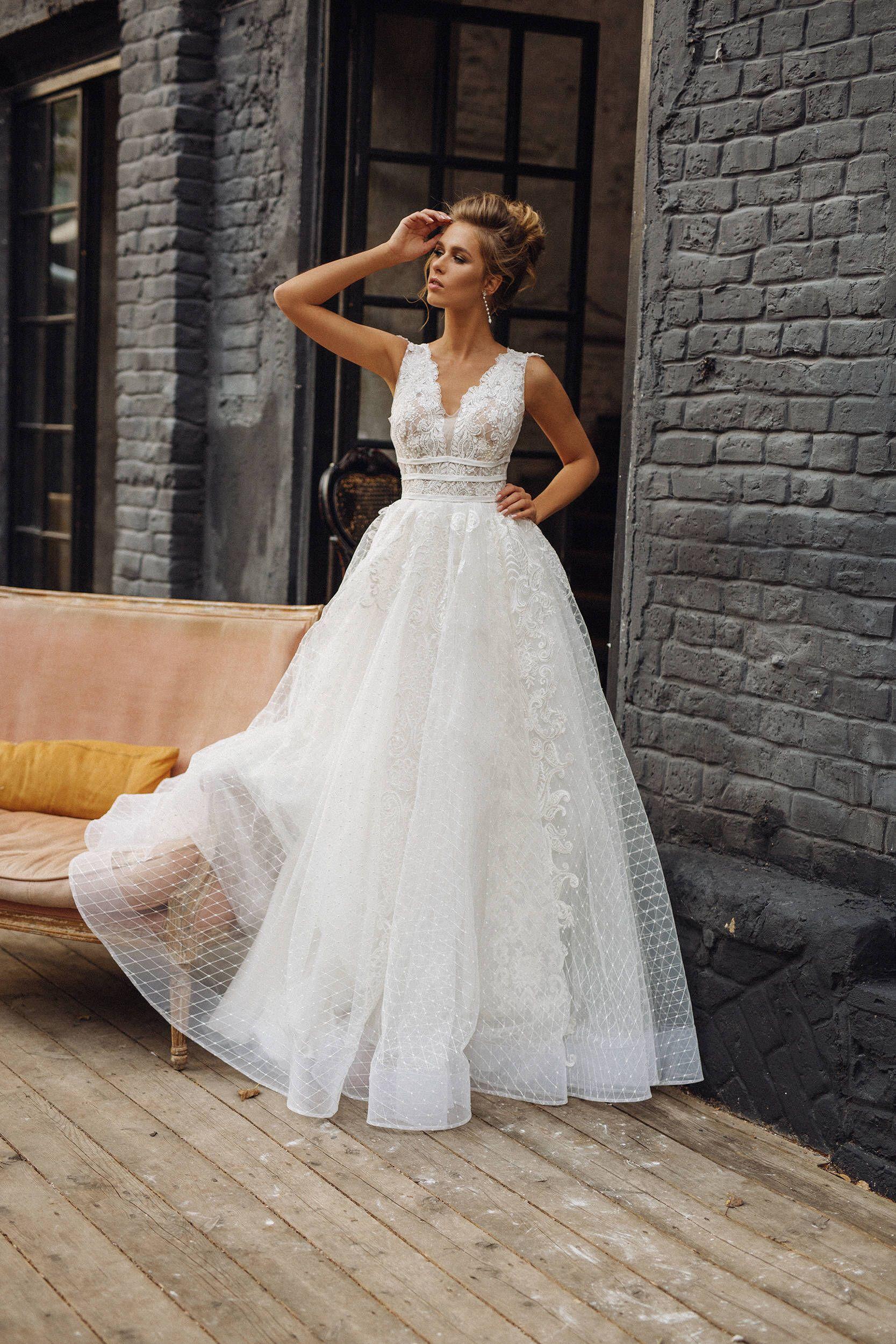 Wedding Dress Milana Full Lace Wedding Dress V Neck V Back Lace Skirt Sleeveless Princess Wedding Dress Etsy Wedding Dress Wedding Dresses Unique Dream Wedding Dresses [ 2500 x 1667 Pixel ]