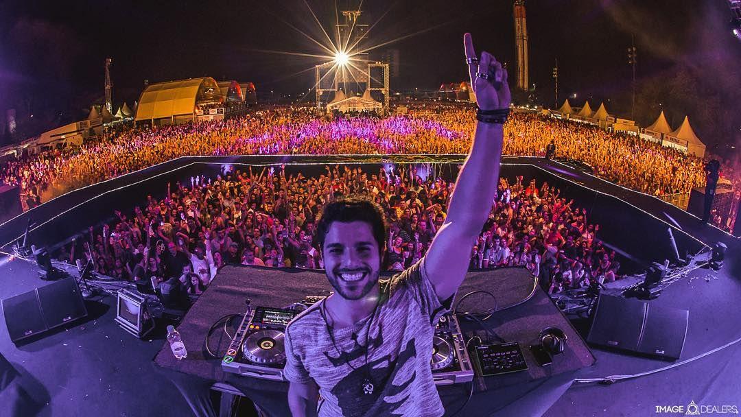 """Quebrando as barreiras! """"Nada como conectar as pessoas através da música!  Mais de 30 mil pessoas não podem estar enganadas!"""" #VillaMix #Audiomix by alok"""
