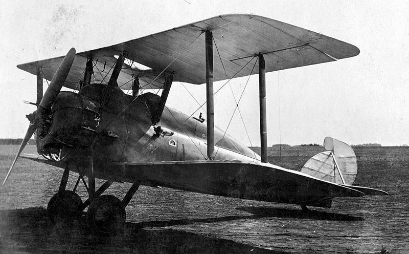 パーナル パンサー艦上偵察機 イギリスのパーナル社のパンサーを日本海軍が輸入したもの。 1921年に12機が輸入された。 1922年、戦艦山城に設けられた特設滑走台からの発艦に成功した。