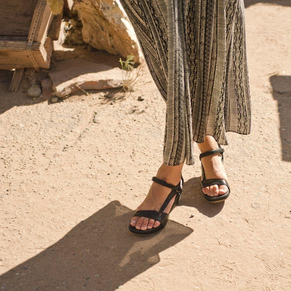 Teva S Capri Universal Sandal 85 Need These In Red