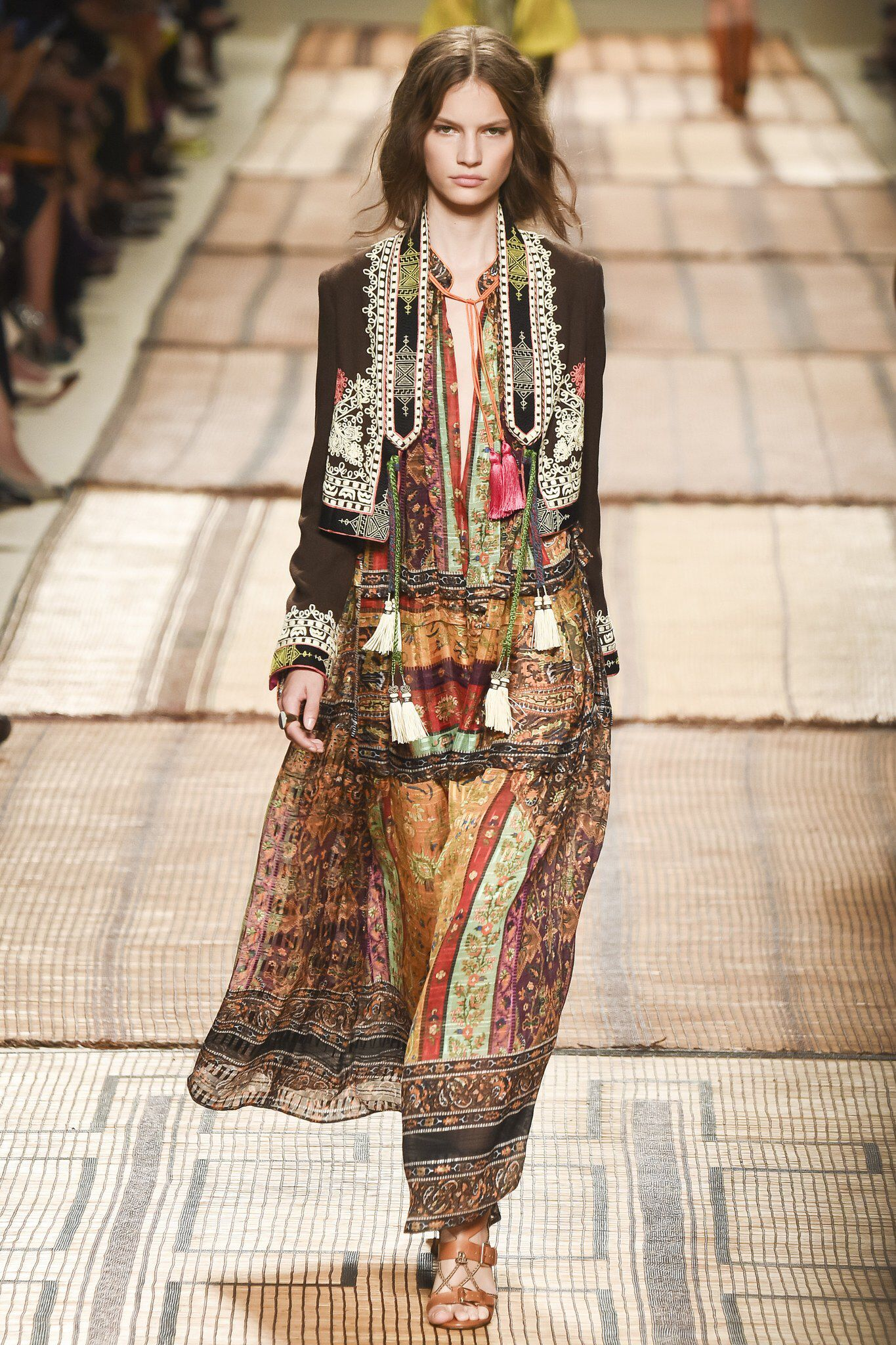 f8b4cabc537 Etro - Spring 2017 Ready-to-Wear Bohemian chic