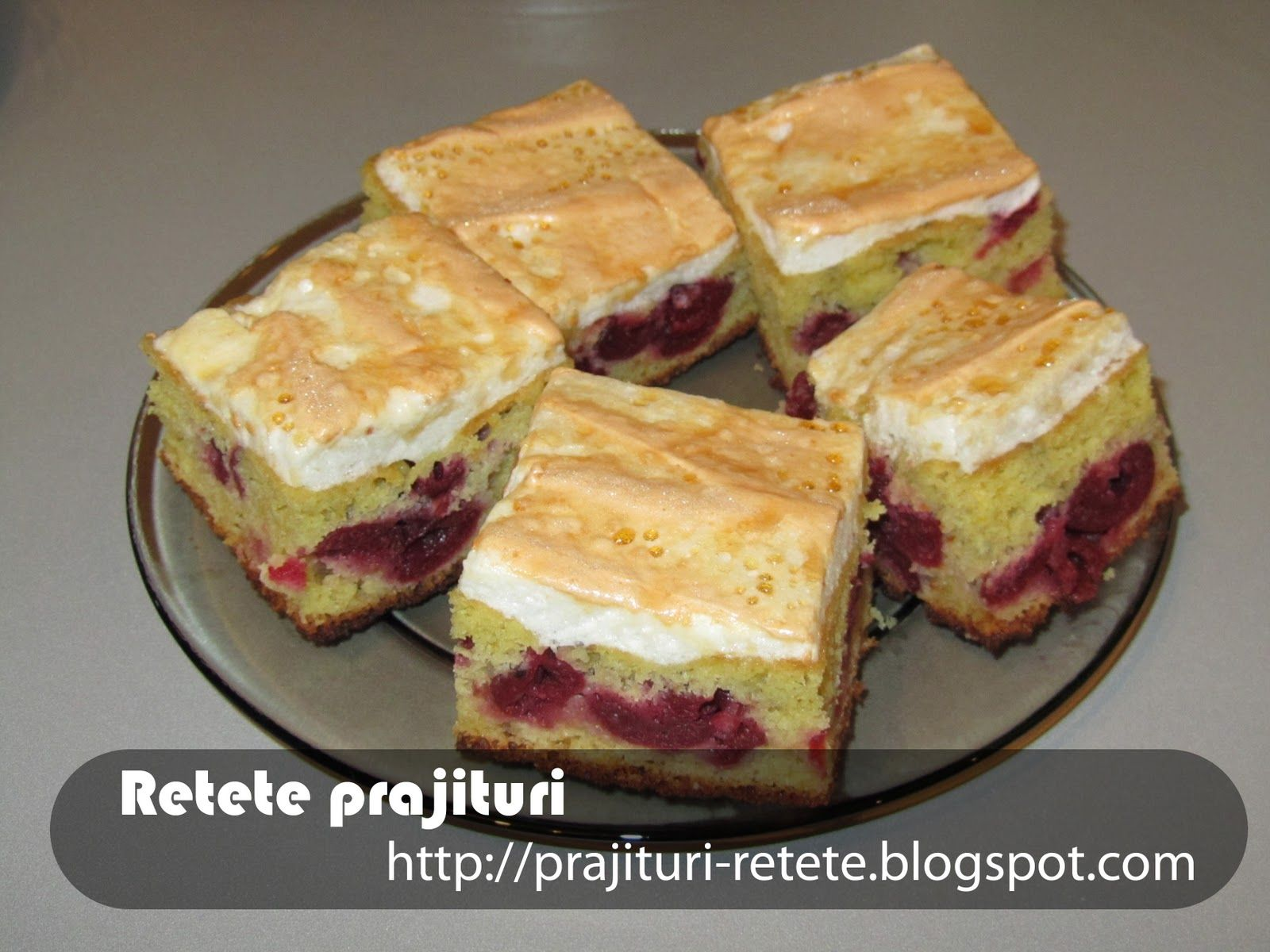 Prajitura Acrisoara Cu Visine Si Bezea Retete Prajituri Spice Recipes Desert Recipes Romanian Desserts
