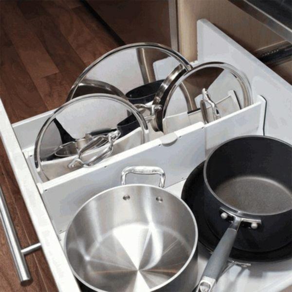 küche schubladeneinteilung praktische einrichtung töpfe pfannen ...