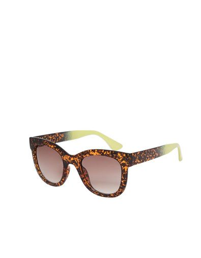 13703d7a0a8c SUNGLASSES WITH TWO TONE SIDEPIECES - Accessories - Accessories - Woman -  ZARA India