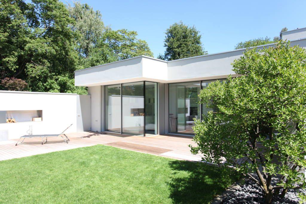 bungalow architektur mit pultdach weie fassade eisner design llc ... - Bungalow Huser