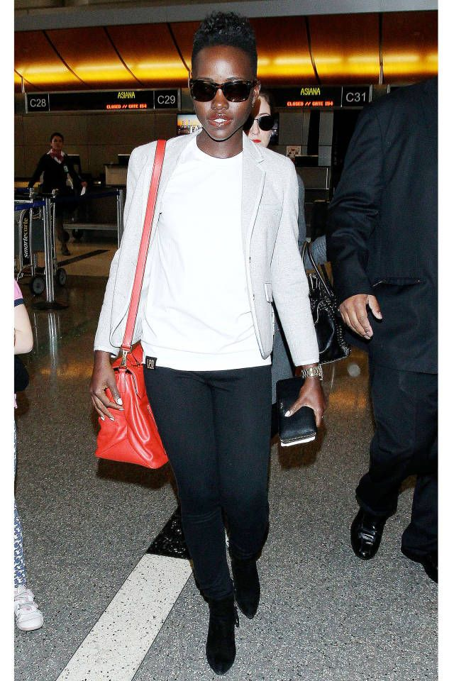 How-to get Lupita's stylish airport look.