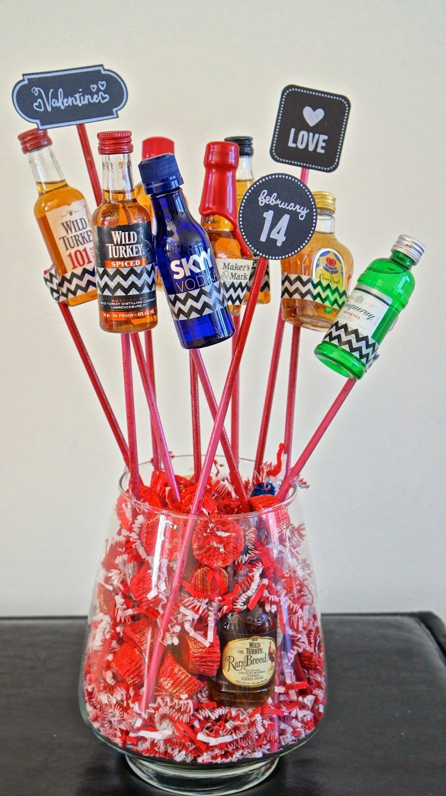 diy manly valentines booze bouquet foodfashionhomecom - Manly Valentine Gifts