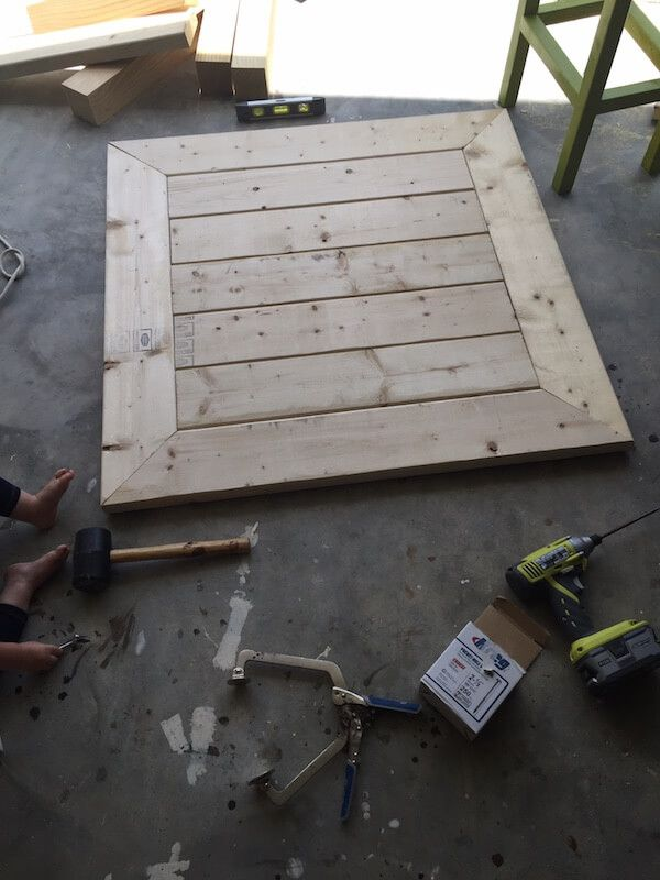 square coffee table w/ planked top { free diy plans }   coffee table