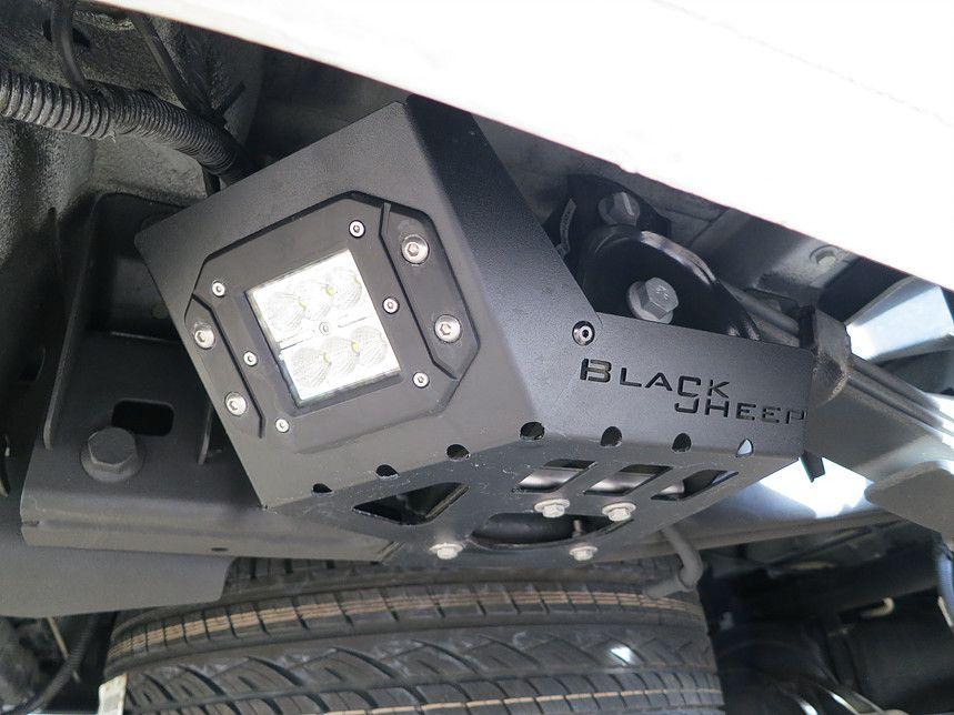 VW Amarok Black Sheep Innovations | Rückfahrscheinwerfer ...