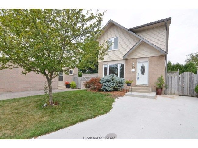 99 OLYMPIC PL - Beautiful 2 storey in a great area of London. This home has been updated in all areas. This home features; shingles (2016) window(2016) siding (2016), deck(2016) furnace/ AC (2016) flooring(2016) hot water (2016) doors(2016) concrete driveway (2016) bathrooms(2016) kitchen cupboards (2016) granite (2016) 100 amp panel (2016). This home shows like a TEN: This home is easy to view and a pleasure to show. CALL PUTTS STRYBOSCH 519.673.3390