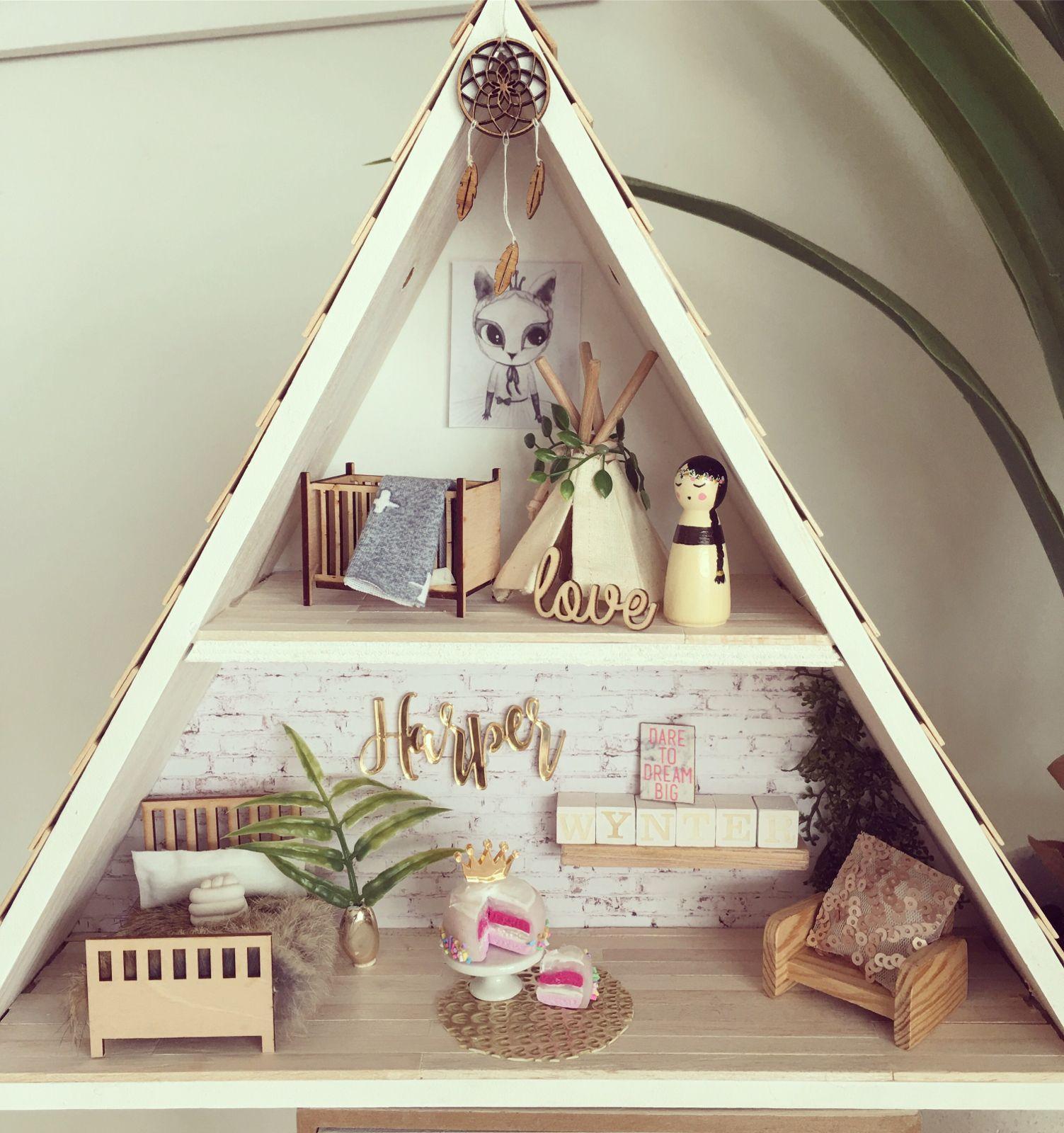 A frame shelf dollhouse please contact for custom