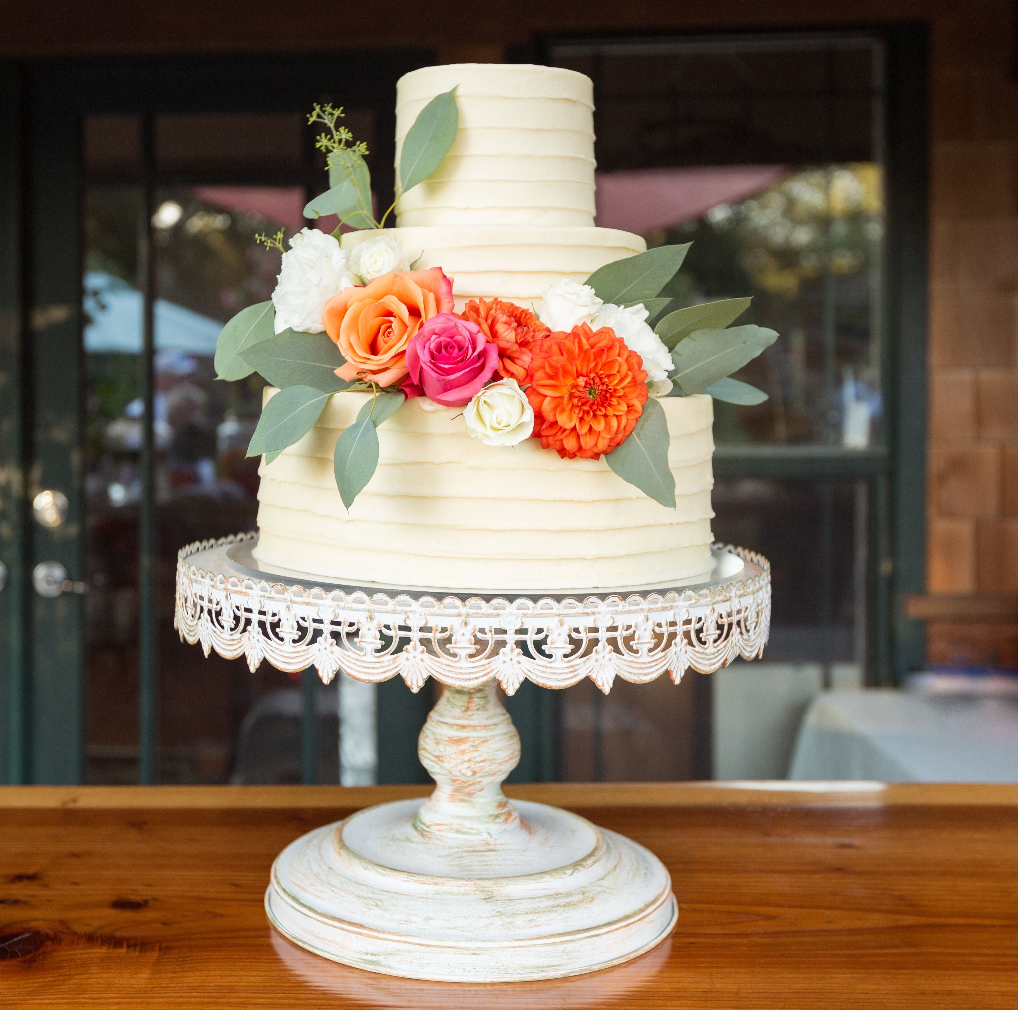 Rustic Fresh Flower Cake From Master Piece Cakes Santa Rosa Ca