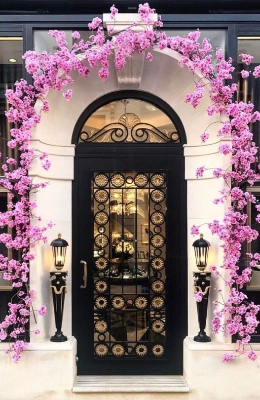 pink flowers for contrast at entry on verandah & pink flowers for contrast at entry on verandah | Doors and Gates ...