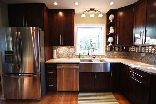 tiroirs entre le lave vaisselle et le r frig rateur et. Black Bedroom Furniture Sets. Home Design Ideas