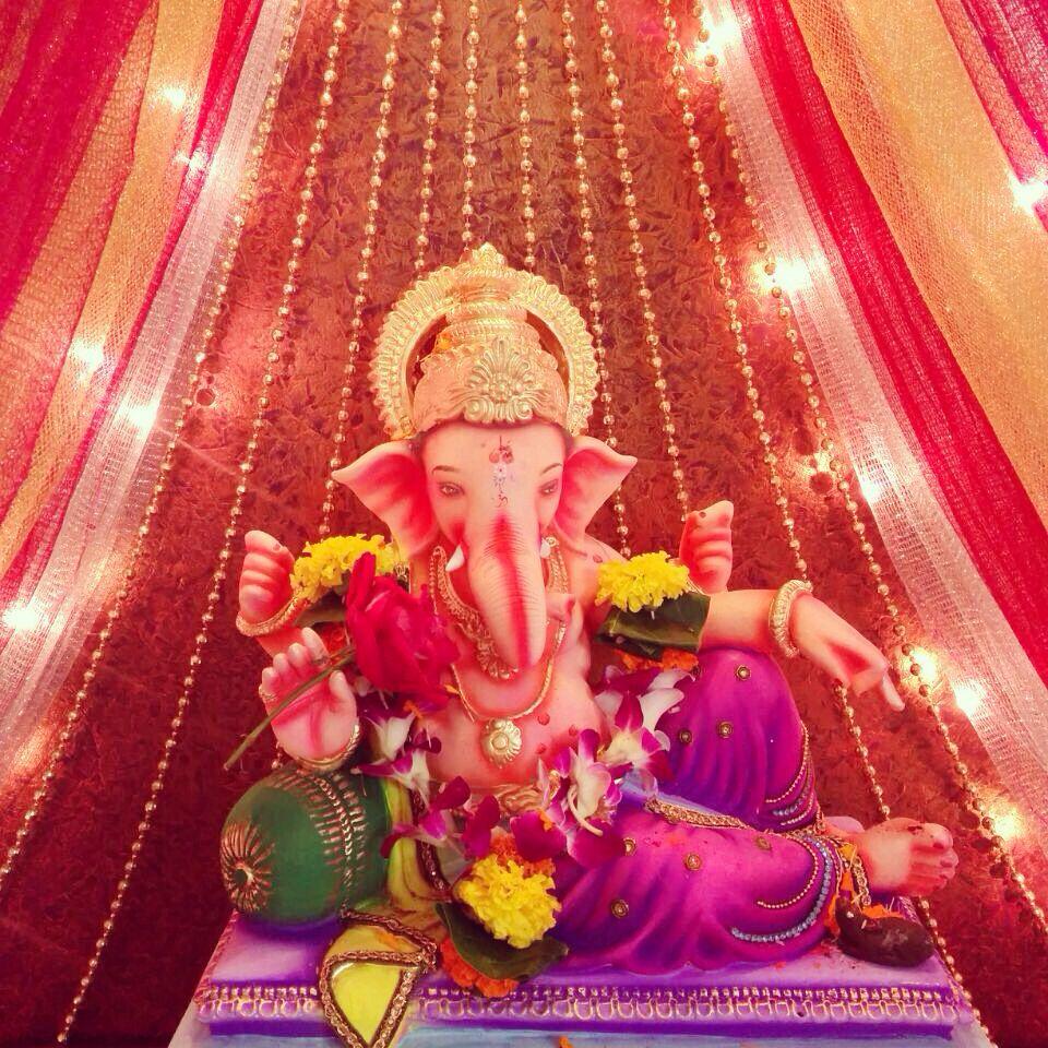Ganpati idol decoration | Decoration for ganpati, Ganpati ...