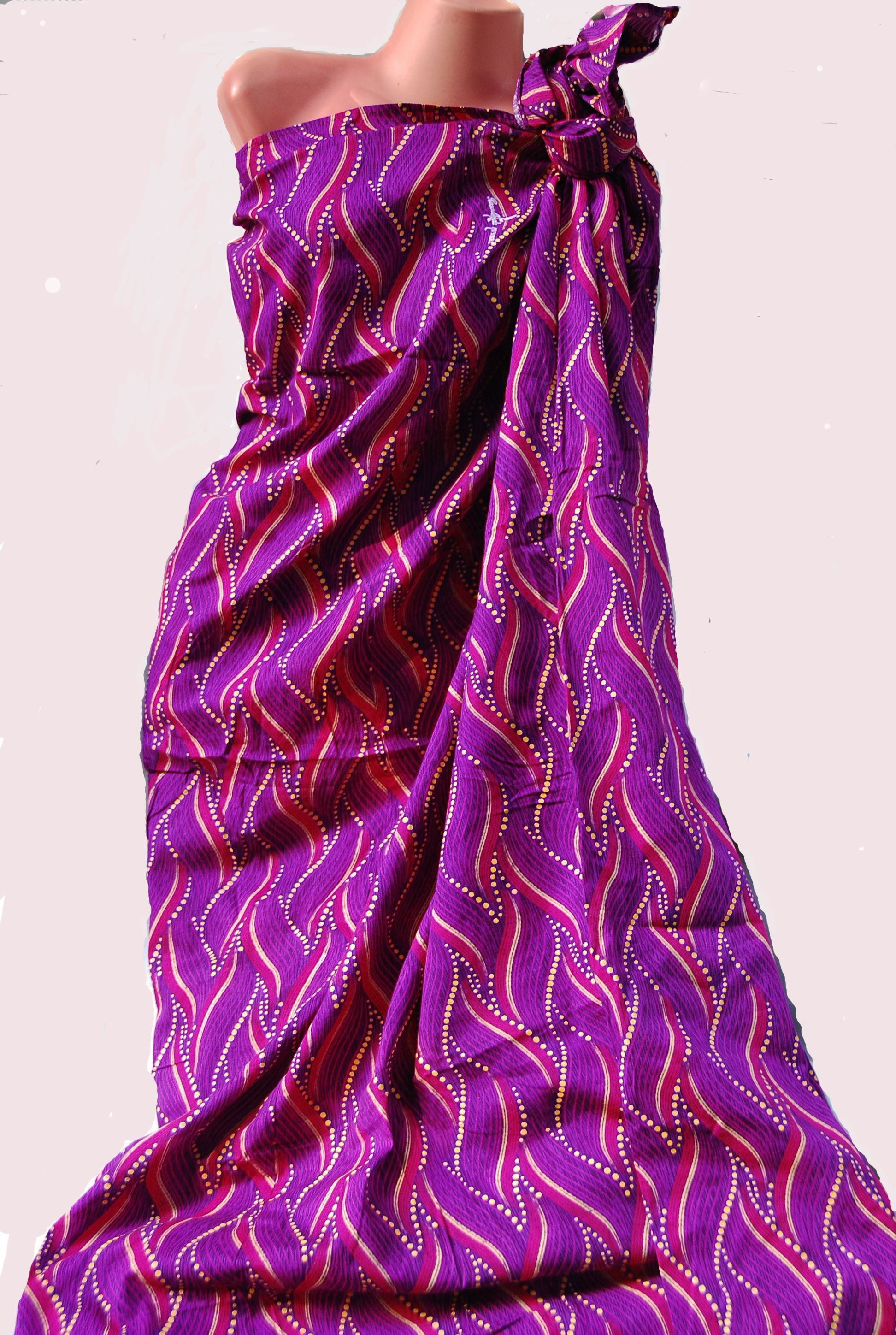 Malong - traditional garment worn by the natives of Mindanao in the ...