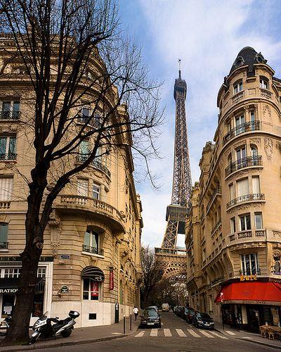 Torre Eiffel, de um outro ângulo.