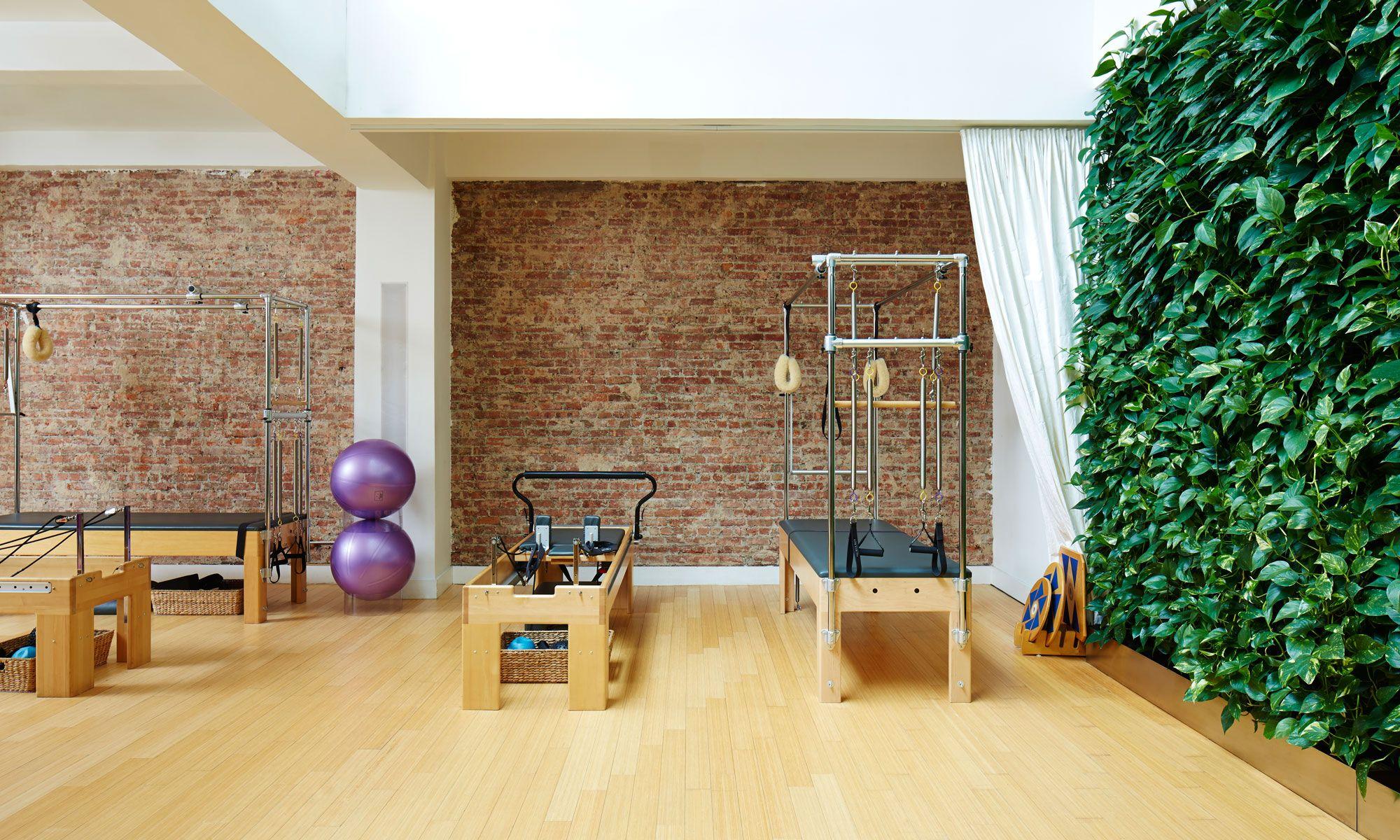 The Boutique Fitness Studio Where Insiders Get Their Pilates And Privacy Studio Pilates Estúdio De Pilates Clinica Zen