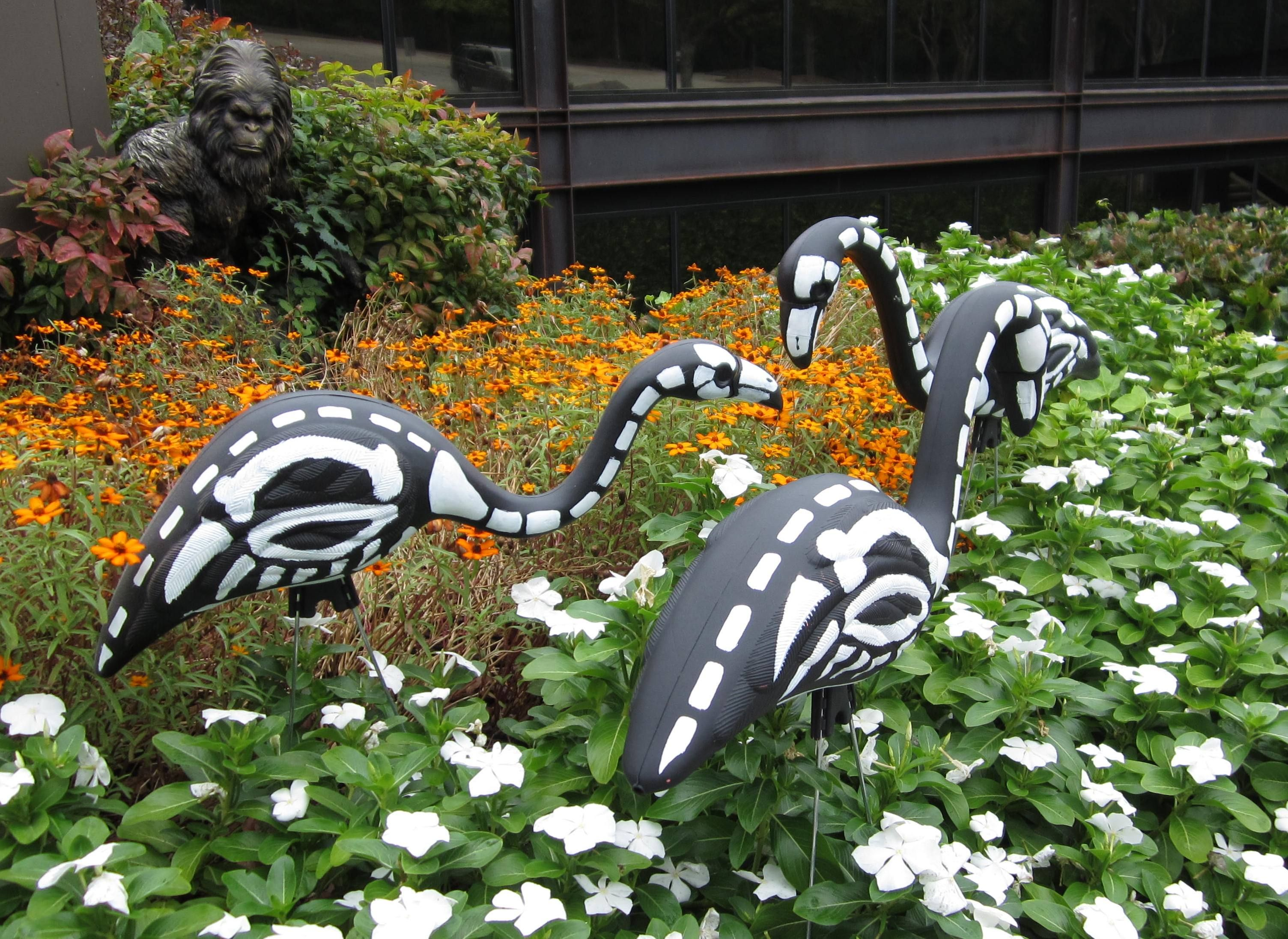 Skeleton Flamingos!   communityhomedepot/t5/Halloween - diy outdoor halloween decorations