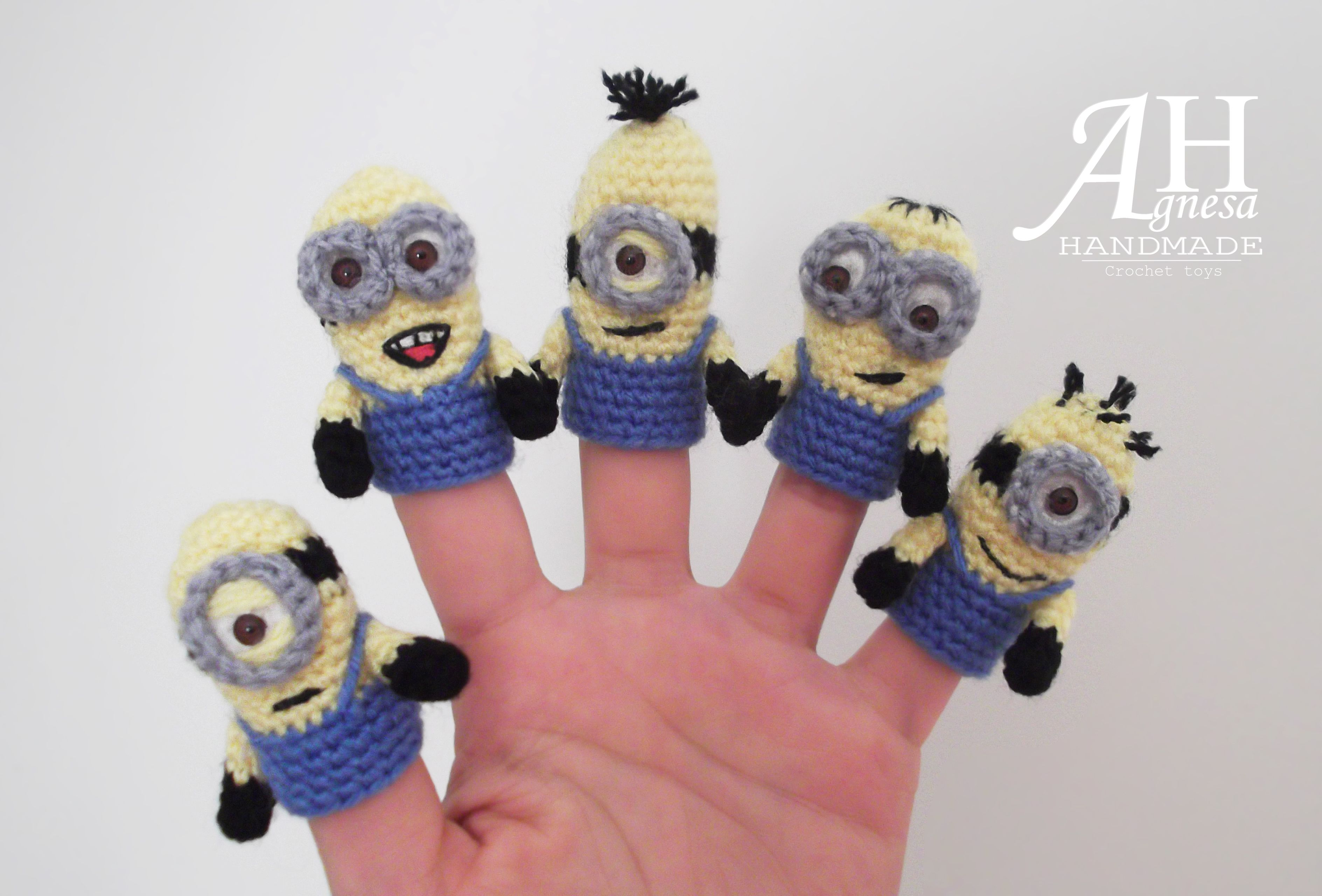 Crochet finger puppets \