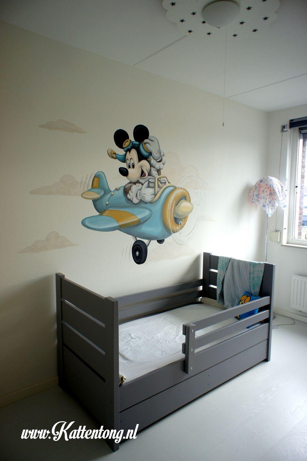 Genoeg Muurschildering: Mickey Mouse in vliegtuigje Gemaakt door QQ22
