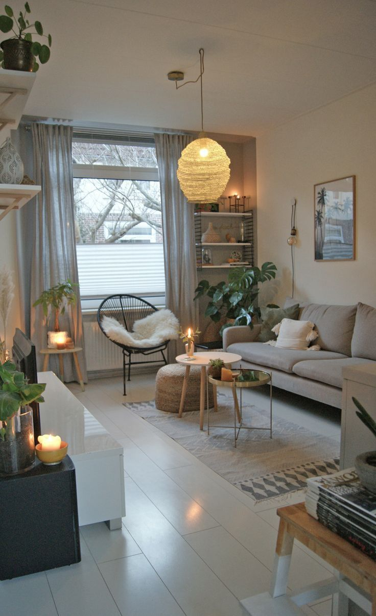 Decoration Interieur Salon Moderne 2021   Small apartment living room, Small living room decor ...
