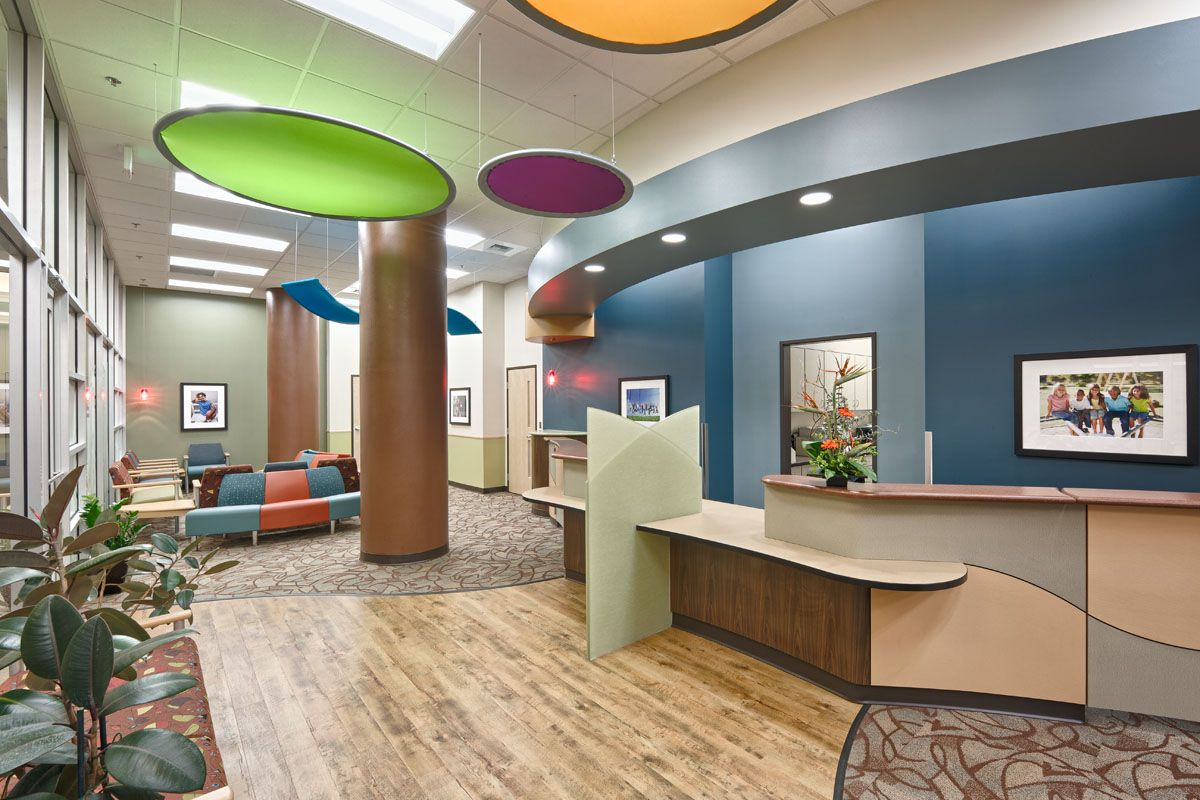 Pediatric office decorating pediatric associates of the for Office room decoration ideas