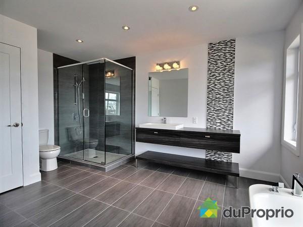 Salle de bain de rêve à voir à Neuville #DuProprio Salle de bain