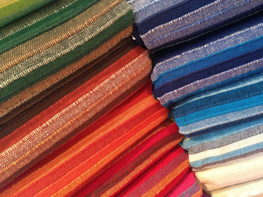 Indian Raj put Cotton Bedspread Sofa Throws SingleDouble  : e565972ea9bb536a00c09cdd029dfec2 from www.pinterest.com size 1000 x 750 jpeg 286kB