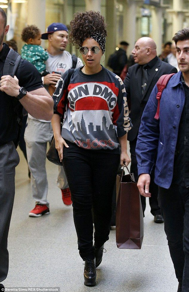 Casual wear: On Wednesday afternoon singer Alicia Keys arrived at London's St. Pancras sta...