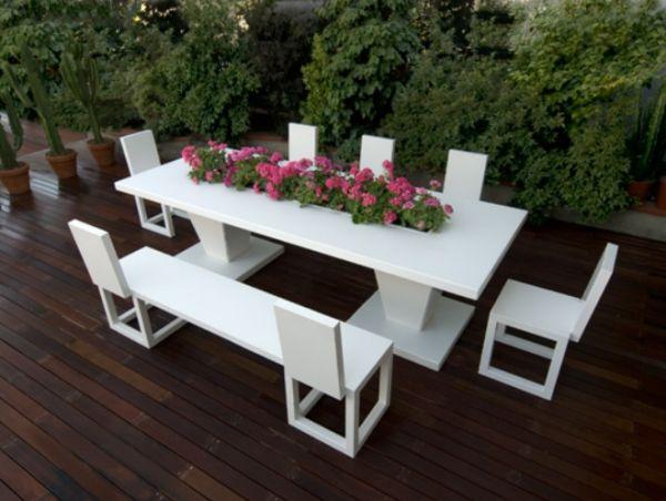Weiße Alu Gartenmöbel Bysteel Tisch Stühle Bank Pflanzkübel