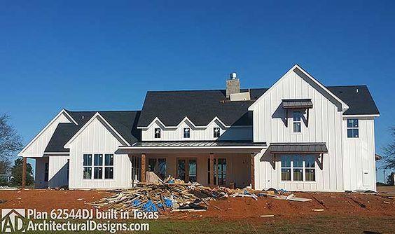 Plan 62544DJ: Modern 4 Bedroom Farmhouse Plan   Farmhouse ...