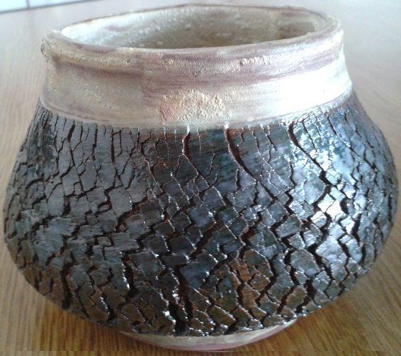 Un portalápices. El craquelado realizado con silicato de sodio + óxido de cobre.