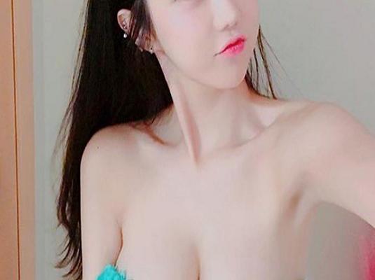 Pretty white girls porn