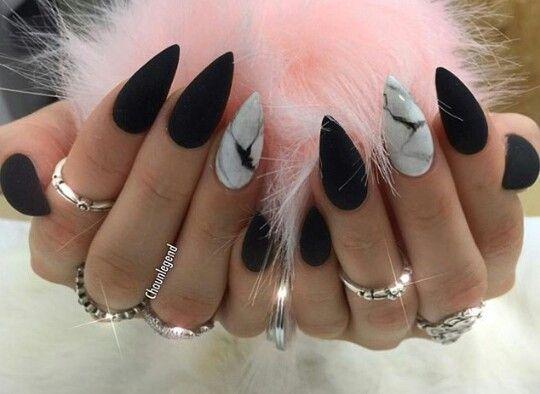 pingl par kahlisa malia sur nails pinterest ongles et maquillage. Black Bedroom Furniture Sets. Home Design Ideas